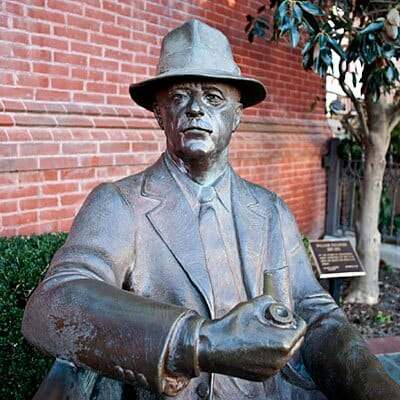 william-faulkner-statue-l
