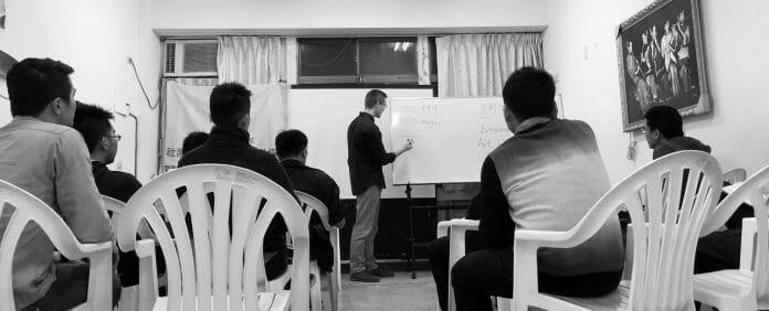 Alex Mullen teaches memorization. (Photo: mullenmemory.com)