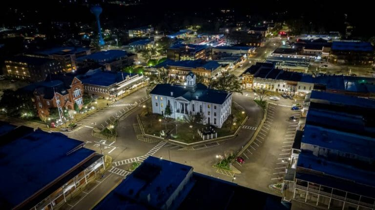 Oxford Makes Semifinals in Strongest Town Contest